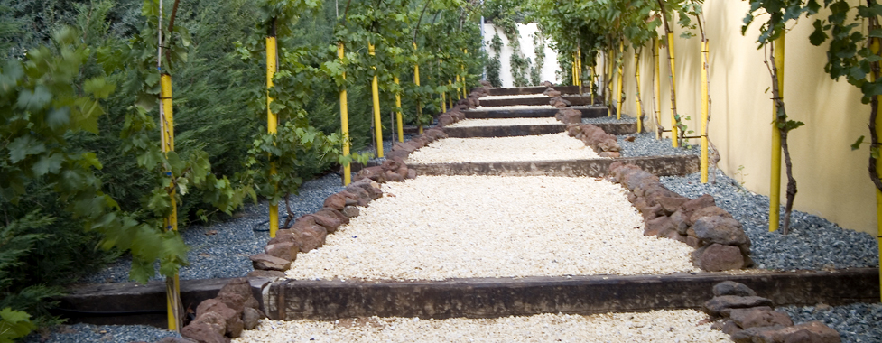 Mavipal piedras decoracion de jardines for Figuras con piedras en jardines